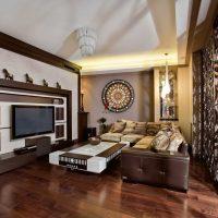 neparasts viesistabas stils austrumu stila attēlā
