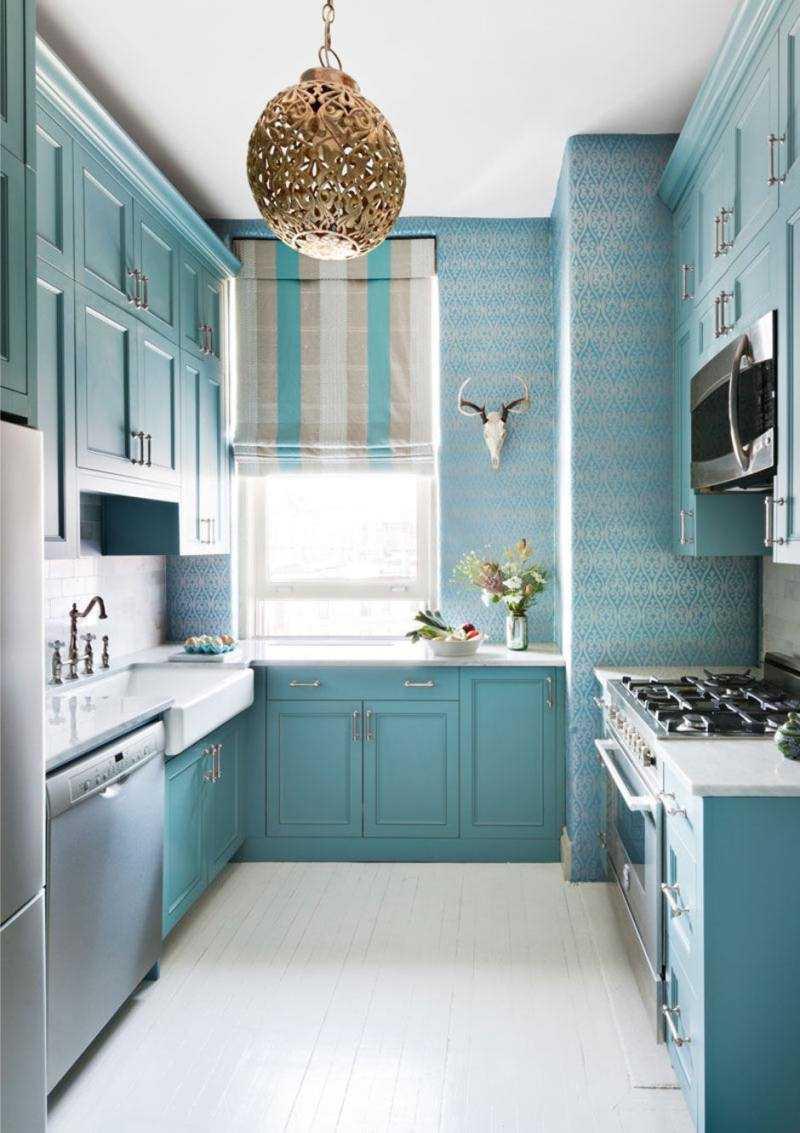 gaišs istabas stils zilā krāsā