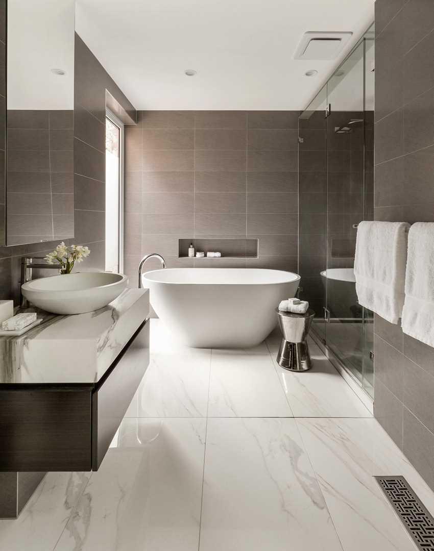 vannas istabas neparastā dizaina variants