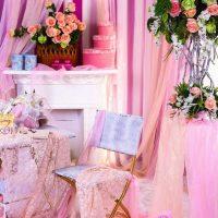 ideja par skaistu priekšmetu dekorēšanu 8. marta fotoattēlam