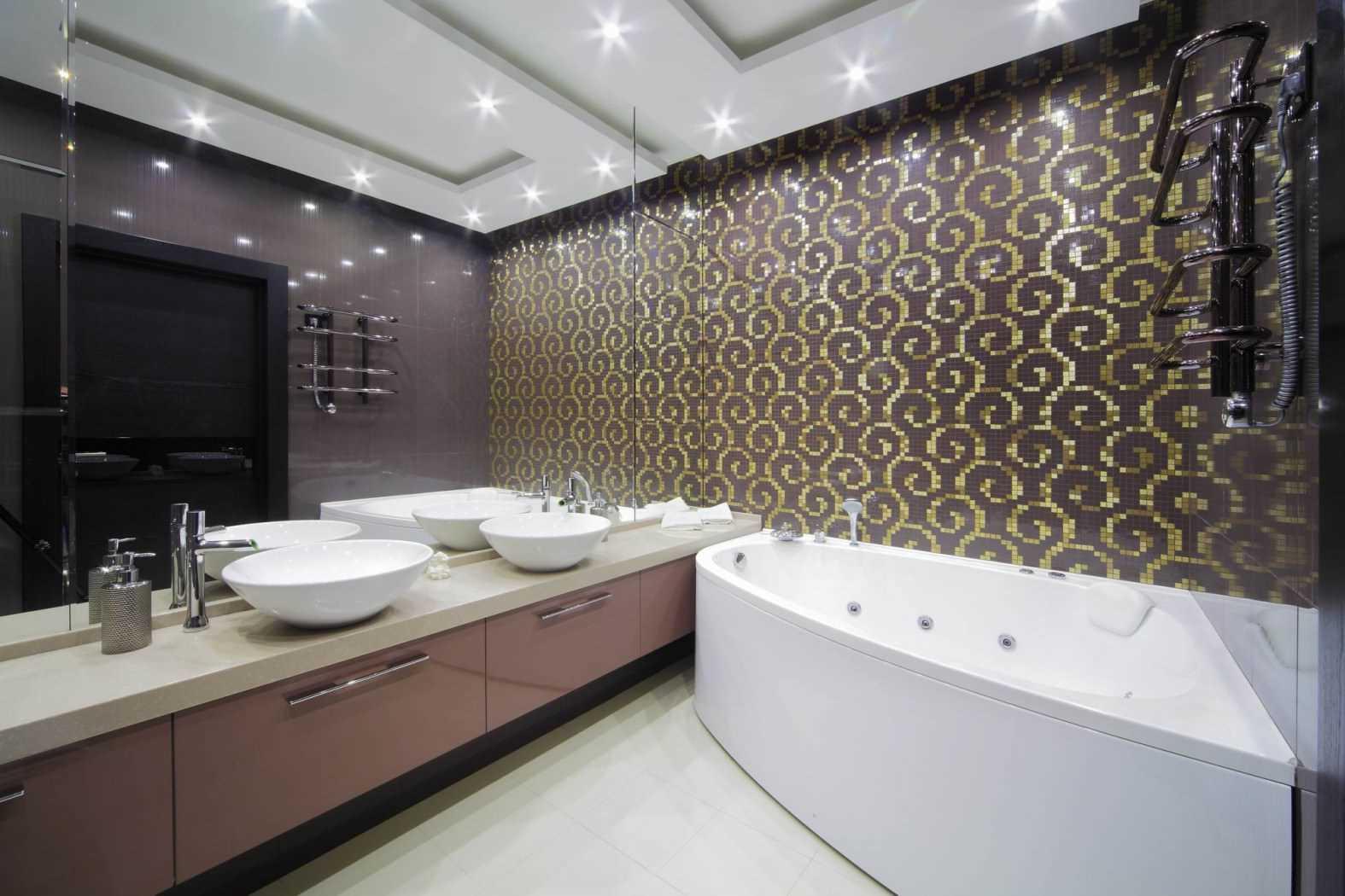neparasta vannas istabas interjera variants