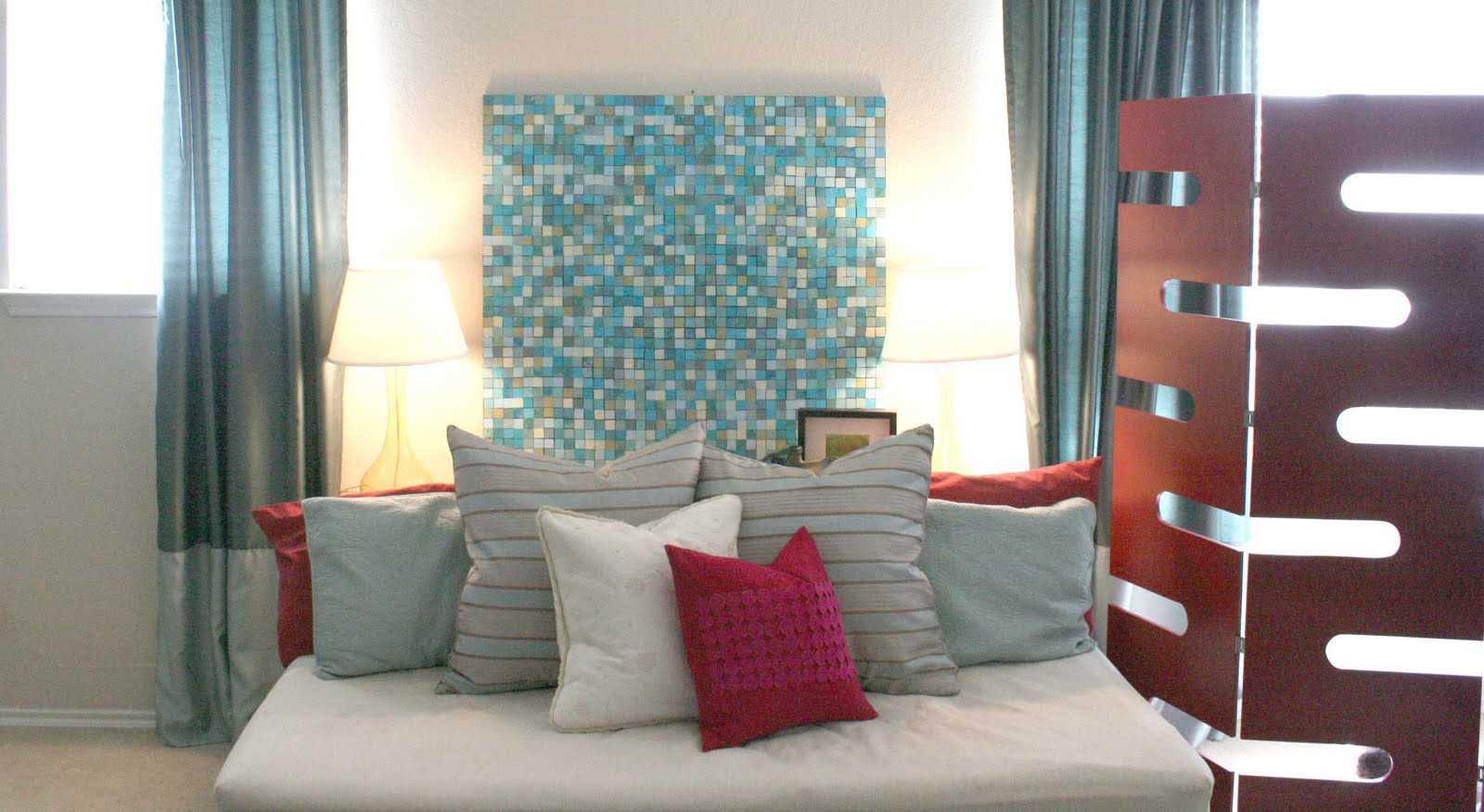 ideja par spilgtu sienu dekorēšanu