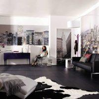 ideja par skaistu sienas rotājumu fotoattēla telpās