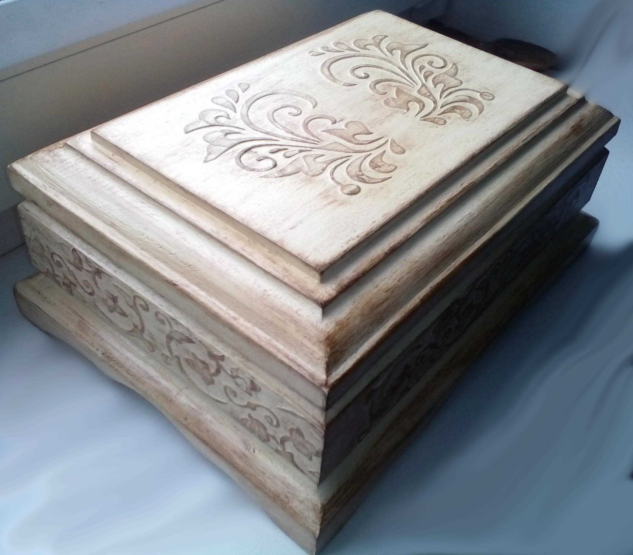 ideja par skaistu DIY dārglietu kastīti