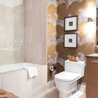 vannas istabas gaišā stila variants 6 kv.m attēlā