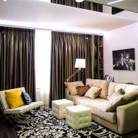 dzīvojamās istabas gaiša interjera piemērs 16 kv.m foto