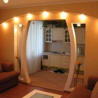 Moderna dzīvokļa spilgta dizaina piemērs 65 kv.m.