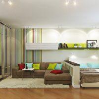 Gaismas stila viesistabas piemērs 16 kv.m fotoattēlam
