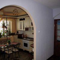 neparasta dzīvokļa interjera variants 65 kv.m attēlā