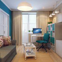 dzīvojamās istabas gaišā dizaina versija 16 kv.m foto