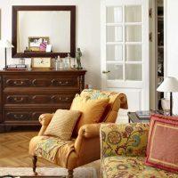 interesanta dzīvokļa interjera variants padomju stila fotoattēlā