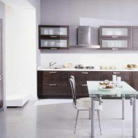 Vieglas virtuves dizaina attēla piemērošanas piemērs