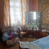 ideja par neparastu interjera istabu padomju stila fotoattēlā