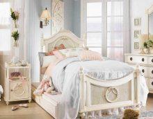 idée d'un intérieur de chambre lumineux pour une fille dans un style photo moderne