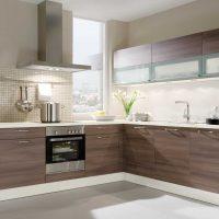 Spilgta virtuves dekora fotoattēla piemērošanas piemērs