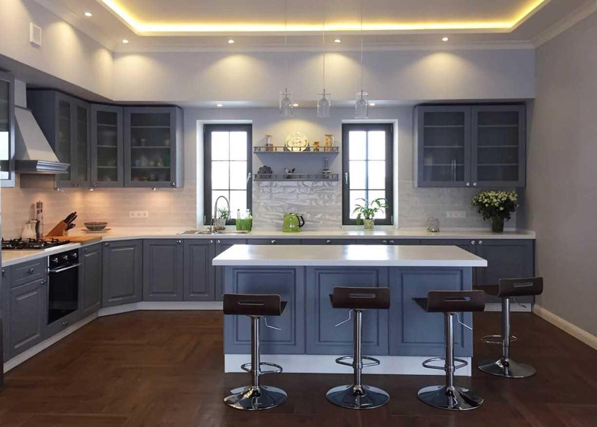 iespēja izmantot gaišu virtuves interjeru
