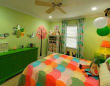 ideja izmantot zaļo krāsu skaista dzīvokļa interjera attēlā