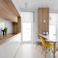 Spilgta virtuves dekora fotoattēla izmantošanas piemērs