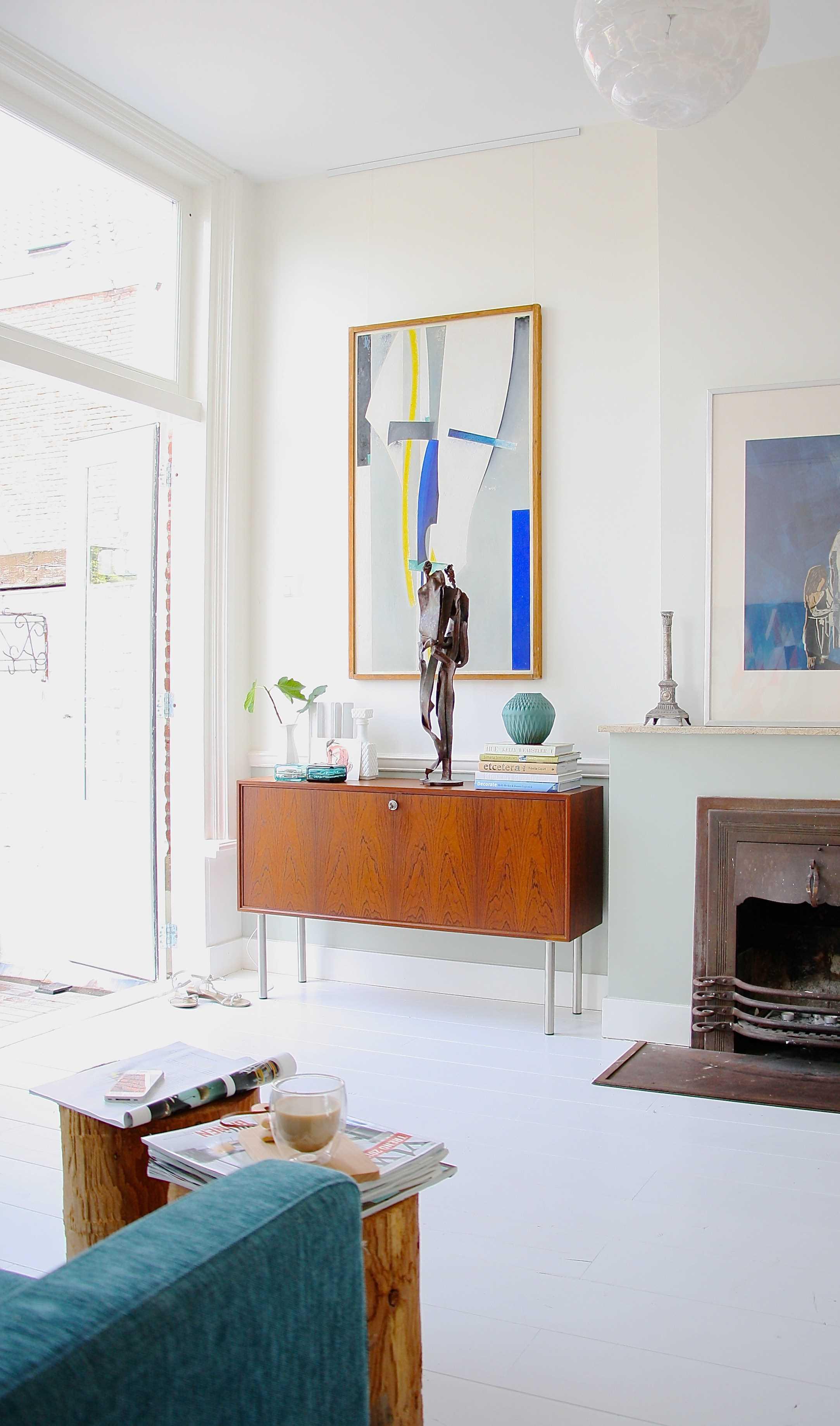 gaišā istabas dekora versija padomju stilā