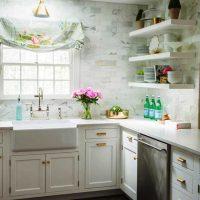skaista virtuves dekoru attēla piemērošanas piemērs