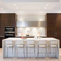 ideja piemērot spilgtu virtuves dizaina attēlu