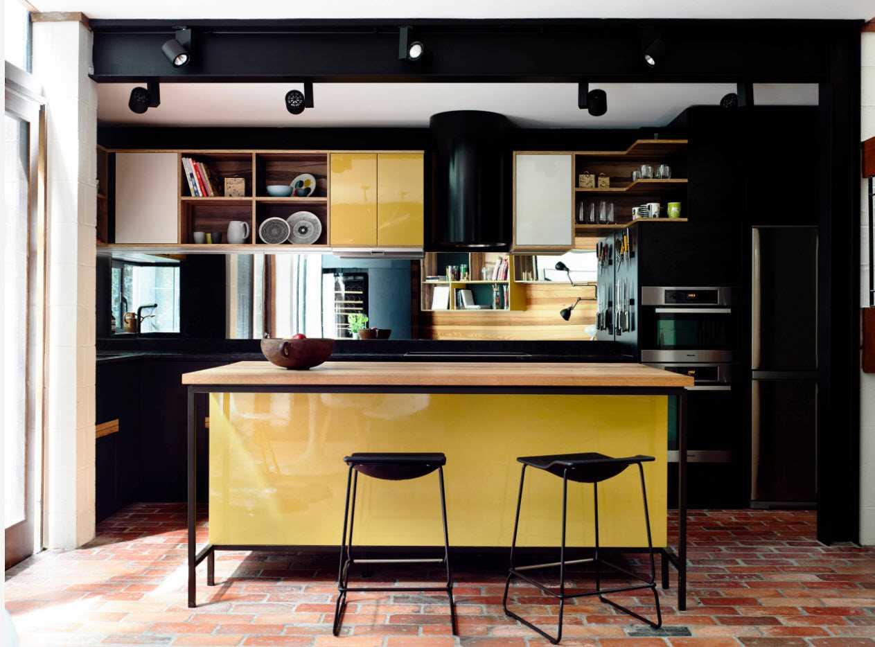 iespēja izmantot gaišu virtuves stilu