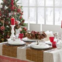 galda dekori jaunajam gadam