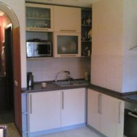 conception de cuisine avec décor de conduit de ventilation