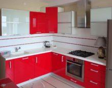 idée d'un bel intérieur de cuisine avec chauffe-eau à gaz photo