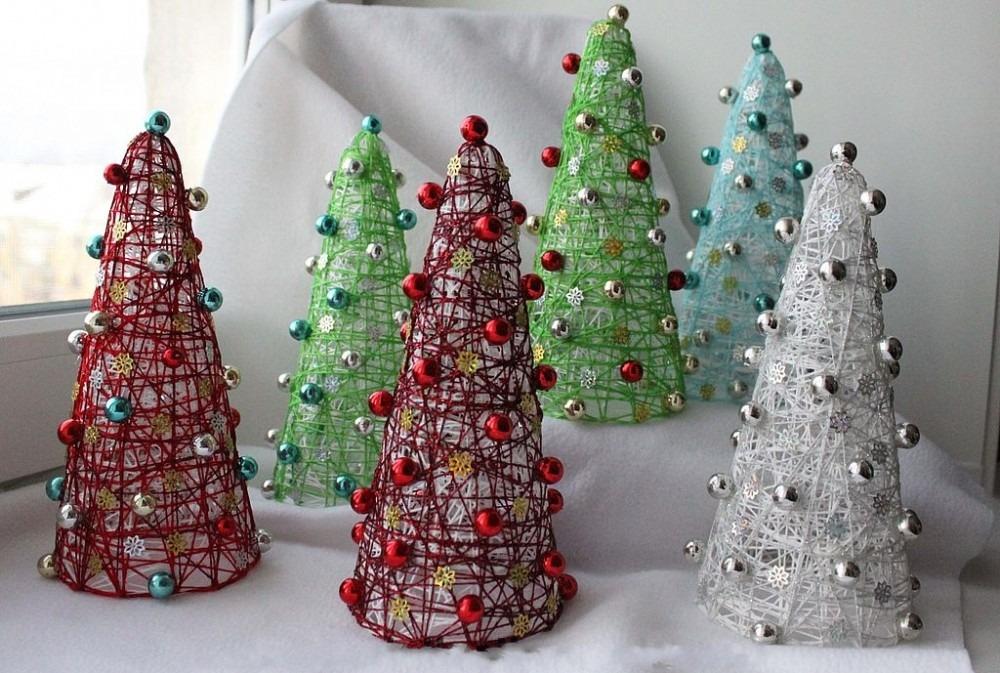 mājās gatavotas Ziemassvētku eglītes