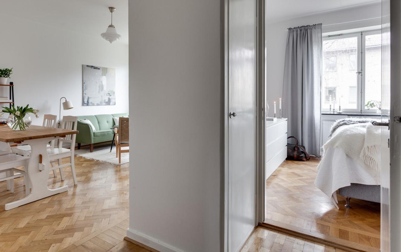 neliela dzīvokļa gaišs dizains