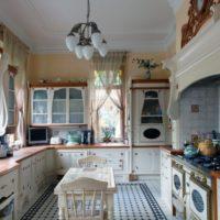 virtuves dizains ar logu provence stilā