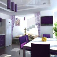 virtuves dizains ar logu ceriņu krāsā