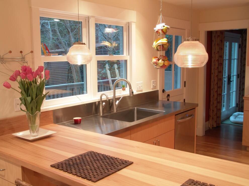logu rotājums virtuvē
