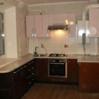 cuisine design 6 m² en stratifié foncé