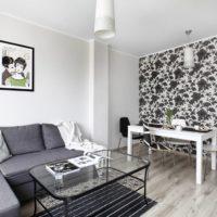 fekete-fehér tapéta a nappaliban