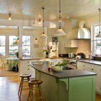 vidéki stílusú konyha a lakásban