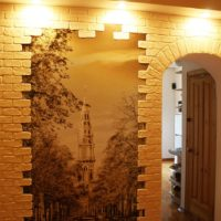Encadrer l'image dans le couloir avec de la pierre décorative