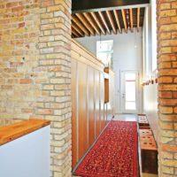 Mur de style loft couloir étroit