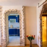 Décoration des arches de porte avec des carreaux de pierre naturelle