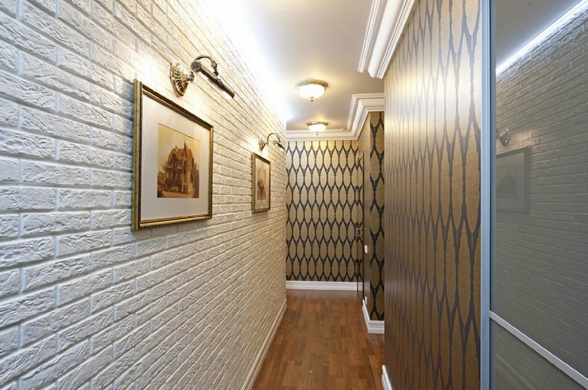 La combinaison de la pierre et du papier peint dans la conception du couloir
