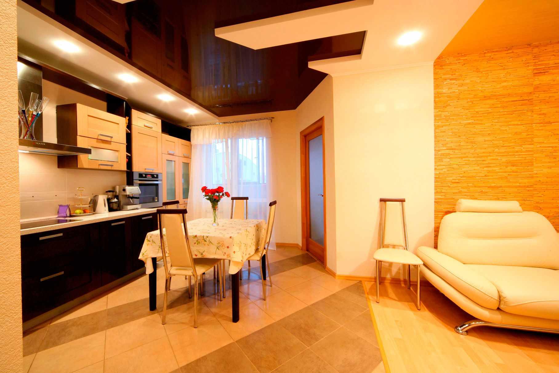 exemple d'un beau plafond intérieur dans la cuisine