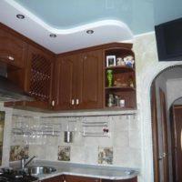 version du style lumineux de la photo du plafond de la cuisine