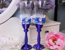 kāzu glāžu stila skaistas dekorācijas variants