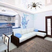 Canapé d'angle dans la cuisine-salon