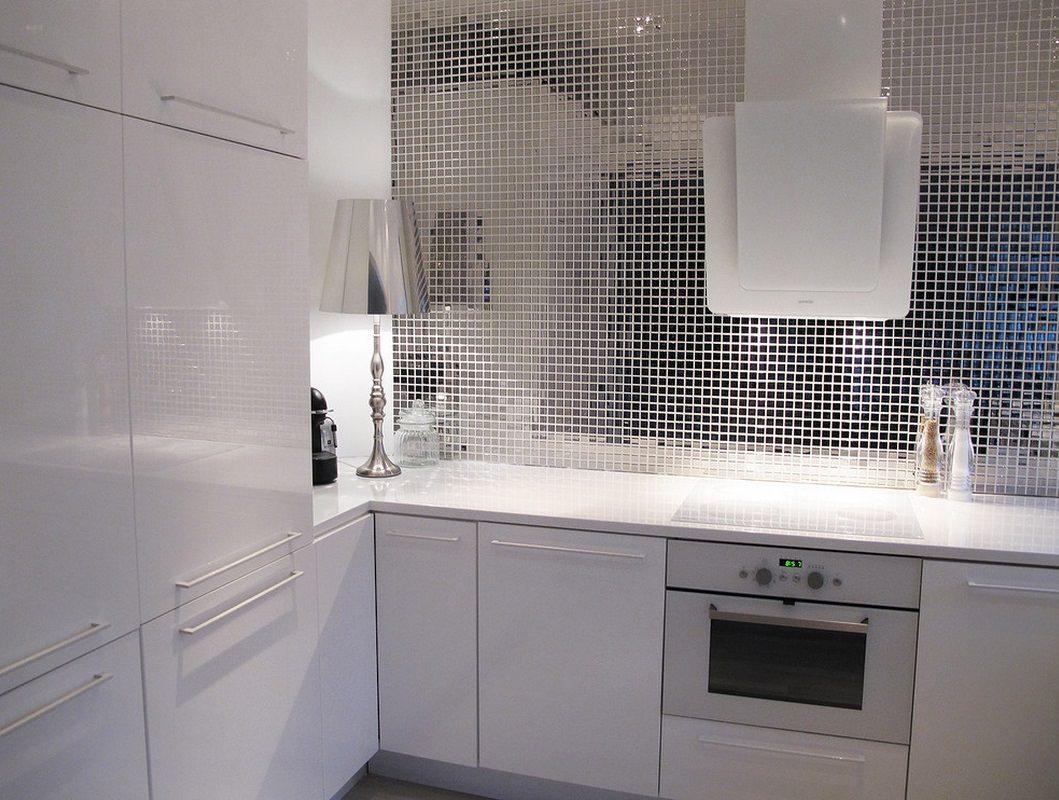 Mozaīkas virtuves sienas spogulis