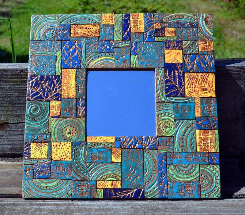 Roku darbs ar spoguli ar keramikas mozaīkas apdari