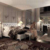 Apgaismojums lauku mājas klasiskajā guļamistabā
