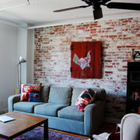 Shabby brick in the interior of the living room