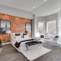 Brickwork in the interior of the bedroom